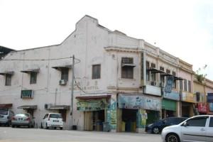 グマス駅前旅館