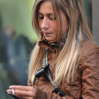 Do I pick up the phone or not?  (Milano)