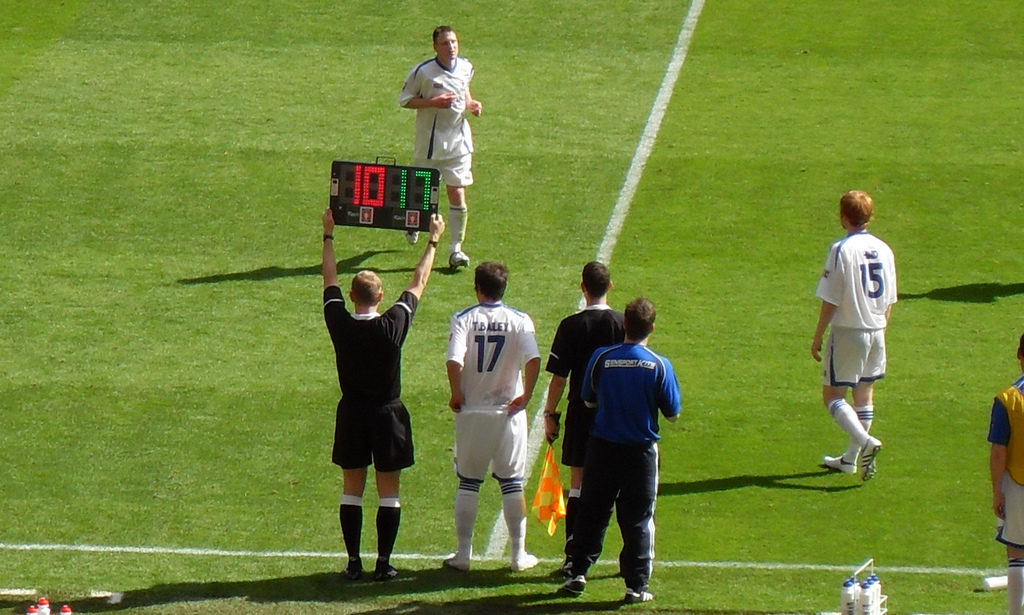 Substitution - FA Carlsberg Vase Final 2009 - Glossop North End v Whitley Bay